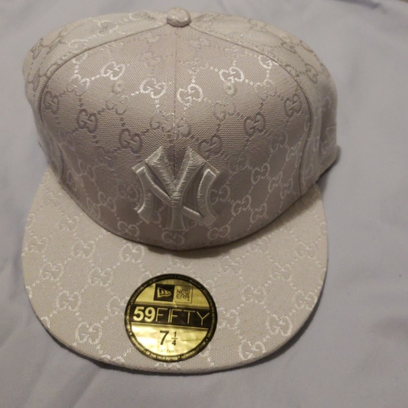 c33db40ee2d New Era NY Yankees Gucci White Fitted Cap NWOT. M 5b95e96caaa5b87a8a486778.  Other Accessories ...